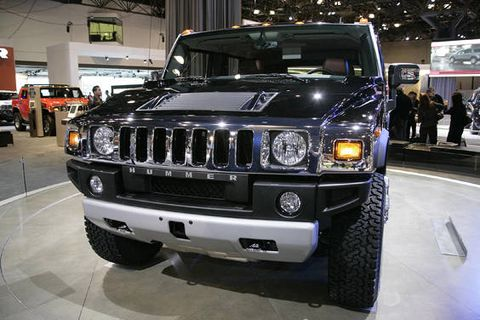 Motor vehicle, Automotive design, Automotive tire, Vehicle, Automotive exterior, Land vehicle, Automotive lighting, Headlamp, Grille, Hood,