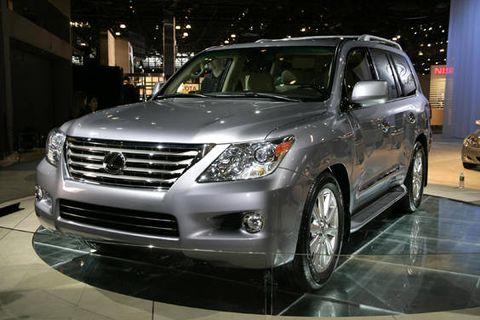 Wheel, Automotive design, Vehicle, Land vehicle, Automotive lighting, Glass, Headlamp, Car, Grille, Technology,