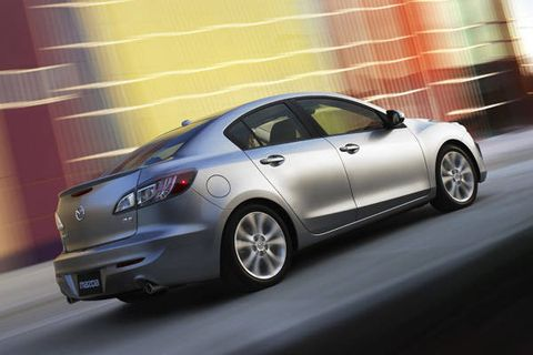 Tire, Wheel, Automotive design, Vehicle, Land vehicle, Rim, Alloy wheel, Automotive lighting, Car, Glass,
