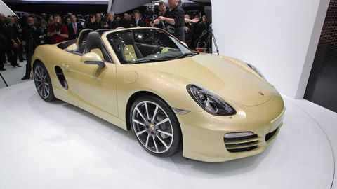 Tire, Wheel, Automotive design, Vehicle, Land vehicle, Performance car, Car, Rim, Fender, Personal luxury car,