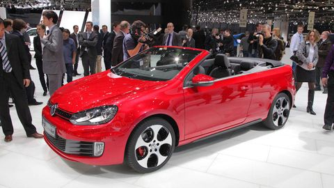 Tire, Wheel, Automotive design, Vehicle, Land vehicle, Event, Car, Automotive wheel system, Auto show, Alloy wheel,