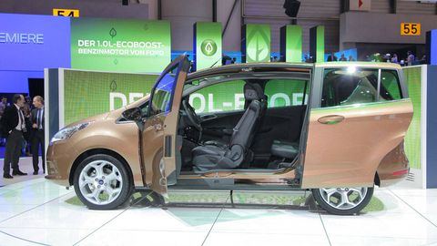 Motor vehicle, Tire, Automotive design, Vehicle, Vehicle door, Automotive mirror, Car, Automotive exterior, Auto show, Alloy wheel,