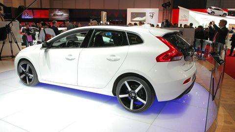 Tire, Automotive design, Mode of transport, Vehicle, Event, Car, Auto show, Hatchback, Exhibition, Automotive tire,