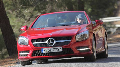 Mode of transport, Automotive design, Vehicle, Grille, Mercedes-benz, Car, Personal luxury car, Red, Hood, Luxury vehicle,