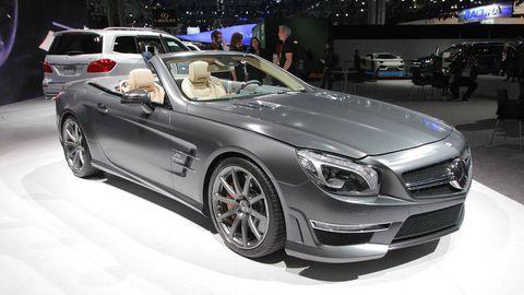 Wheel, Tire, Automotive design, Vehicle, Land vehicle, Car, Automotive lighting, Mercedes-benz, Personal luxury car, Headlamp,