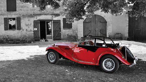 Vehicle, Automotive design, Photograph, Car, Classic car, Fender, Automotive lighting, Automotive parking light, Classic, Roadster,