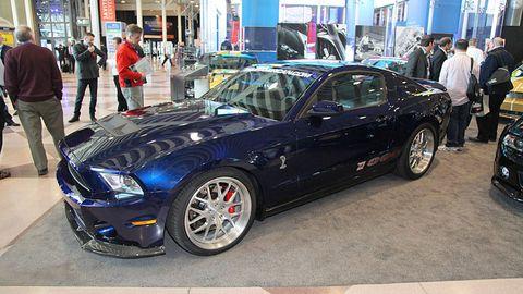 Tire, Wheel, Automotive design, Vehicle, Land vehicle, Automotive tire, Alloy wheel, Rim, Performance car, Automotive wheel system,