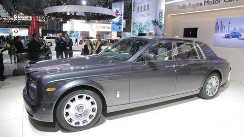 Tire, Wheel, Automotive design, Vehicle, Automotive tire, Land vehicle, Rim, Transport, Car, Spoke,
