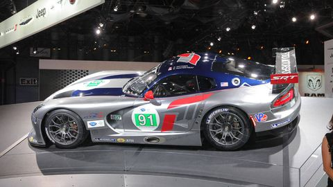 After The All New Srt Viper Was Unveiled At York International Auto Show Came A Very Pleasant Surprise Unveiling Of Gts R Race Car