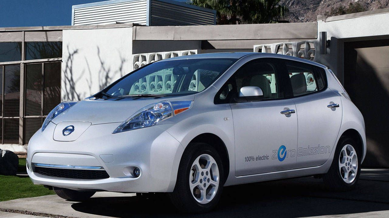 The 2012 Nissan Leaf Is Solid And Unassuming In Pretty Much Every Way,  Except For What Powers It. Put This Entirely Electric 5 Door In Your Garage  And ...