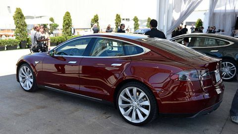 Tesla Model S Review What We Uncovered In A Minute Test - 2012 tesla model s