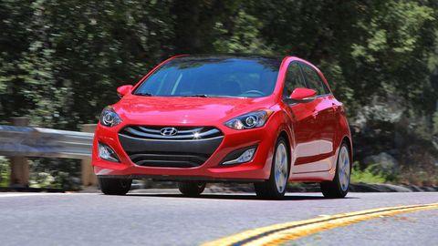 Motor vehicle, Tire, Wheel, Automotive design, Automotive mirror, Vehicle, Headlamp, Grille, Automotive lighting, Car,