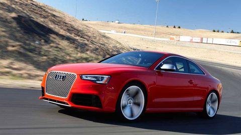 Tire, Wheel, Automotive design, Vehicle, Land vehicle, Road, Infrastructure, Rim, Car, Alloy wheel,