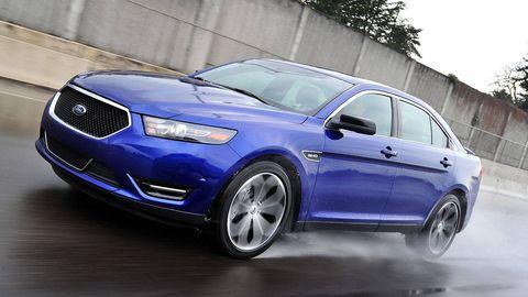 Tire, Wheel, Automotive design, Blue, Vehicle, Car, Automotive tire, Alloy wheel, Rim, Spoke,