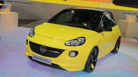 Motor vehicle, Tire, Mode of transport, Automotive design, Vehicle, Yellow, Automotive mirror, Hood, Land vehicle, Headlamp,