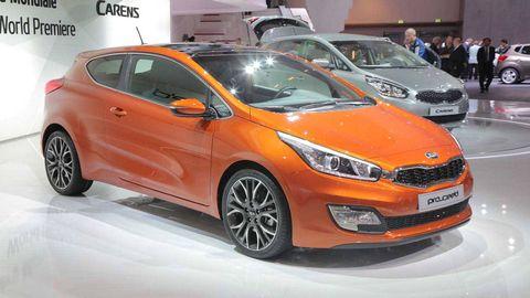 Tire, Motor vehicle, Wheel, Automotive design, Mode of transport, Vehicle, Land vehicle, Event, Transport, Car,