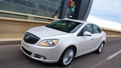 Mode of transport, Vehicle, Automotive lighting, Headlamp, Automotive design, Automotive mirror, Glass, Grille, Alloy wheel, Rim,