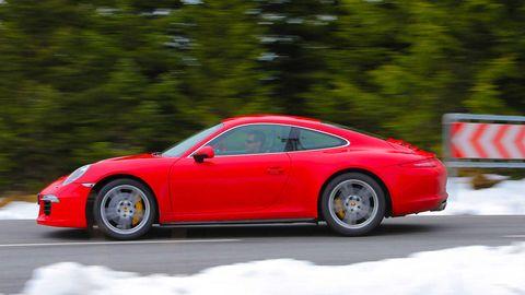 Tire, Wheel, Automotive design, Vehicle, Land vehicle, Alloy wheel, Rim, Transport, Car, Performance car,