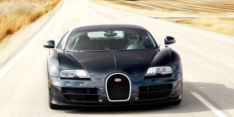 Road, Automotive design, Automotive mirror, Mode of transport, Vehicle, Land vehicle, Hood, Infrastructure, Road surface, Asphalt,