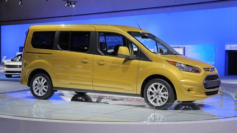 Tire, Motor vehicle, Wheel, Mode of transport, Automotive design, Transport, Yellow, Vehicle, Land vehicle, Automotive mirror,