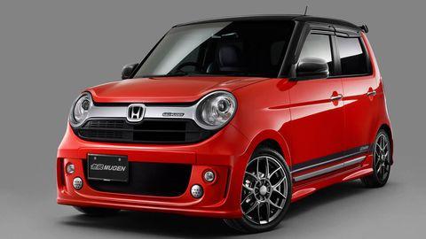 Motor vehicle, Automotive design, Vehicle, Hood, Land vehicle, Automotive mirror, Automotive exterior, Car, Vehicle door, Headlamp,