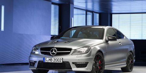 Wheel, Tire, Mode of transport, Automotive design, Vehicle, Alloy wheel, Mercedes-benz, Car, Automotive wheel system, Rim,
