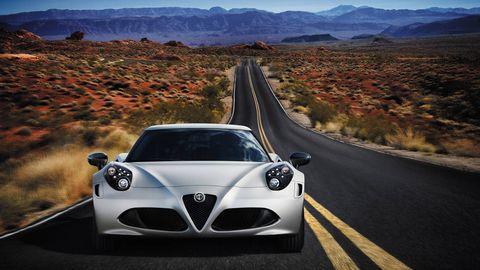 Motor vehicle, Road, Mode of transport, Automotive design, Automotive mirror, Vehicle, Mountainous landforms, Infrastructure, Car, Automotive lighting,