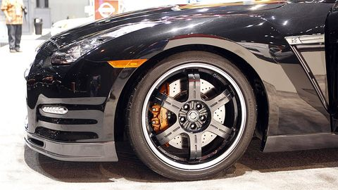 Tire, Wheel, Automotive tire, Automotive design, Automotive wheel system, Vehicle, Alloy wheel, Automotive lighting, Land vehicle, Event,