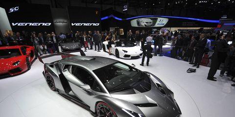 Automotive design, Mode of transport, Vehicle, Land vehicle, Event, Car, Personal luxury car, Auto show, Luxury vehicle, Sports car,