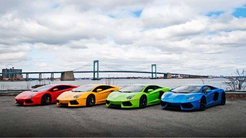Tire, Wheel, Motor vehicle, Mode of transport, Automotive design, Vehicle, Land vehicle, Rim, Performance car, Car,