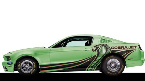 Motor vehicle, Tire, Automotive design, Automotive tire, Vehicle, Transport, Automotive exterior, Vehicle door, Automotive wheel system, Hood,
