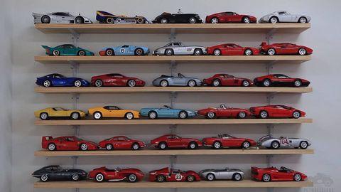 Motor vehicle, Wheel, Mode of transport, Automotive design, Land vehicle, Automotive parking light, Automotive exterior, Alloy wheel, Rim, Vehicle door,