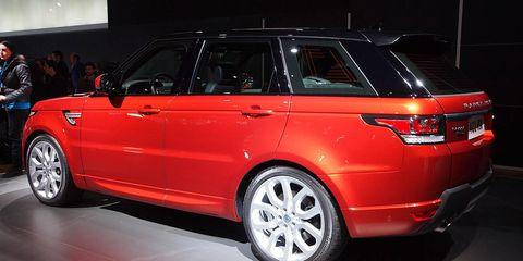 Tire, Wheel, Automotive design, Vehicle, Product, Land vehicle, Automotive exterior, Car, Alloy wheel, Rim,
