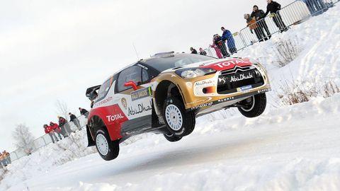 Tire, Wheel, Automotive design, Vehicle, Automotive tire, Motorsport, Car, Winter, Snow, Race car,