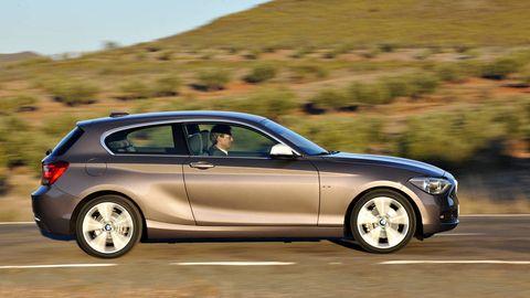 Tire, Wheel, Automotive design, Vehicle, Alloy wheel, Rim, Land vehicle, Automotive mirror, Car, Spoke,