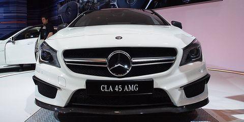 Mode of transport, Automotive design, Vehicle, Land vehicle, Automotive exterior, Grille, Car, Mercedes-benz, Personal luxury car, Luxury vehicle,