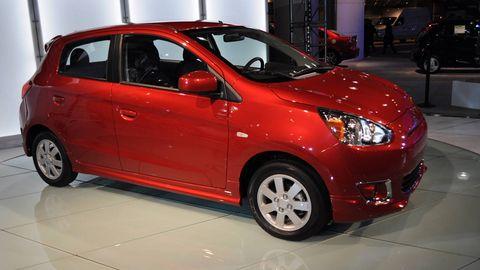 Tire, Wheel, Motor vehicle, Automotive design, Mode of transport, Vehicle, Land vehicle, Automotive mirror, Automotive wheel system, Vehicle door,