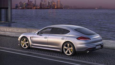 Tire, Wheel, Automotive design, Vehicle, Rim, Alloy wheel, Performance car, Car, Vehicle registration plate, Fender,