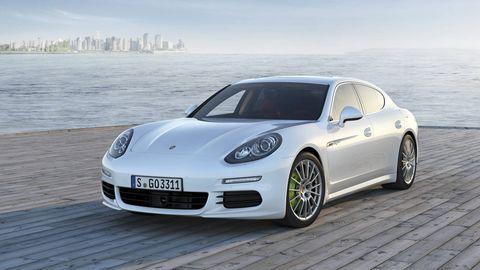 Wheel, Tire, Automotive design, Vehicle, Rim, Car, Alloy wheel, Performance car, Fender, Bumper,