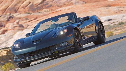 Tire, Automotive design, Vehicle, Performance car, Rim, Car, Automotive lighting, Automotive exterior, Supercar, Fender,
