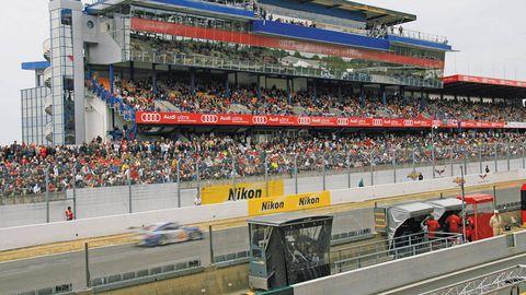 People, Sport venue, Race track, Crowd, Automotive tire, Motorsport, Fan, Racing, Auto racing, Touring car racing,