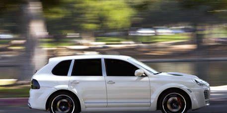 Tire, Wheel, Automotive design, Vehicle, Alloy wheel, Automotive tire, Rim, Car, Spoke, Fender,