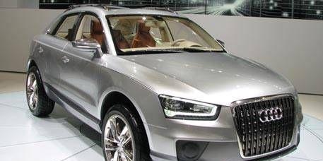 Tire, Motor vehicle, Wheel, Automotive design, Product, Vehicle, Land vehicle, Alloy wheel, Headlamp, Transport,