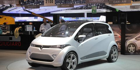Motor vehicle, Wheel, Tire, Automotive design, Mode of transport, Vehicle, Land vehicle, Event, Car, Alloy wheel,