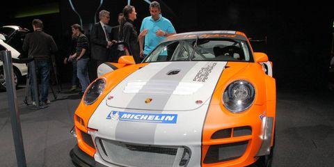 Automotive design, Vehicle, Land vehicle, Performance car, Car, Sports car, Orange, Bumper, Supercar, Headlamp,