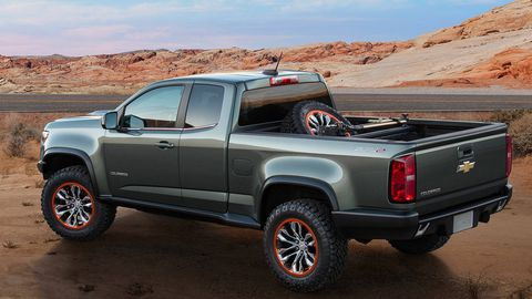 Tire, Wheel, Motor vehicle, Automotive tire, Automotive design, Automotive exterior, Vehicle, Natural environment, Pickup truck, Land vehicle,