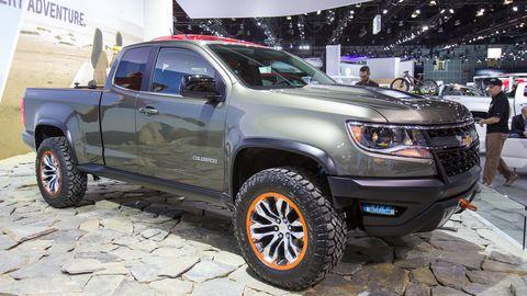 Tire, Wheel, Motor vehicle, Automotive tire, Vehicle, Automotive design, Land vehicle, Automotive exterior, Rim, Automotive lighting,
