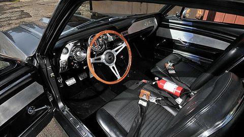 Motor vehicle, Steering part, Vehicle, Steering wheel, Vehicle door, Car seat, Center console, Personal luxury car, Gauge, Speedometer,