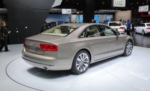 Tire, Wheel, Automotive design, Land vehicle, Vehicle, Car, Alloy wheel, Rim, Automotive wheel system, Personal luxury car,
