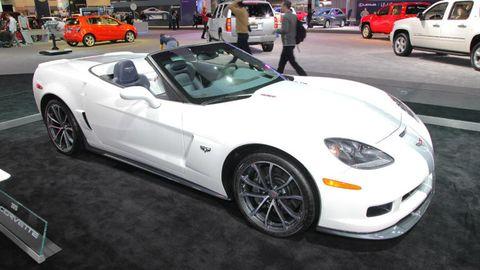 Tire, Wheel, Automotive design, Land vehicle, Vehicle, Performance car, Car, Rim, Automotive parking light, Hood,
